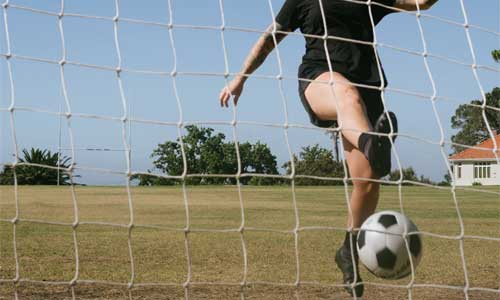 Goalkeepers Training Made Easy woman soccer player - Goalkeepers - Training Made Easy